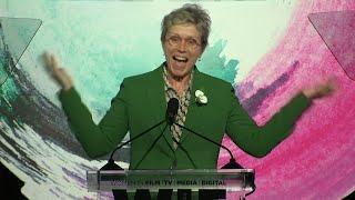 Larson fights for more female film critics