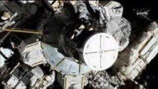Female spacewalking team makes history