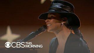 Alicia Keys applauded for striking right note at Grammys 2019