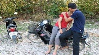 Be Careful Female girl Do not trust people who never know.This is Video Recommend