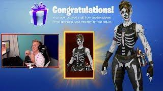 TFUE Reacts/ Uses New *FEMALE SKULL TROOPER* Skin Gifted To Him From Epic Games