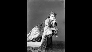 24 Glamorous Photos Show Female Models in Victorian Era