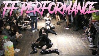 FEMALE FIGURE PERFORMANCE at The Victoria's Secret Ball