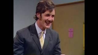 Monty Python: Italian Lesson