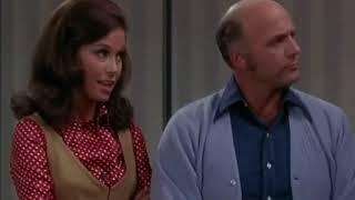 The Mary Tyler Moore Show S01E10 Assistant Wanted Female