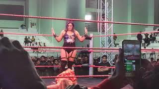 Rakhi Sawant को महिला पहलवान ने रिंग में कैसे पटका; Wrestler Throws Rakhi on WWE Ring Floor