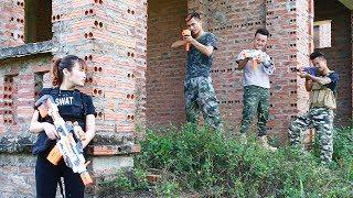 3T Nerf War : Squad Alpha Female Soldiers Nerf guns Fighting In The Thugs Base