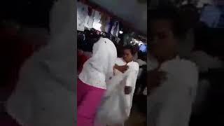 Female Fighting on New Market | এই হল আমাদের দেশের মেয়ে ।  না দেখলে চরম মিস ।